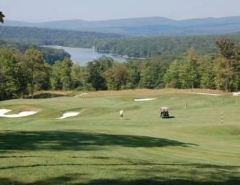 Golfing at Deep Creek Lake