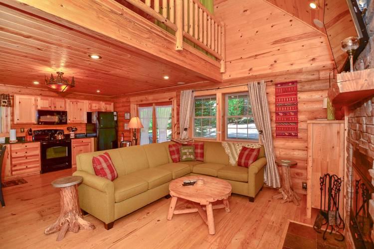 Living Area at Whitewater Lodge Deep Creek Lake