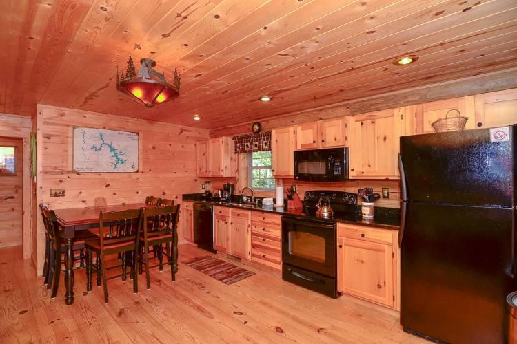 Whitewater Lodge Kitchen at Deep Creek Lake