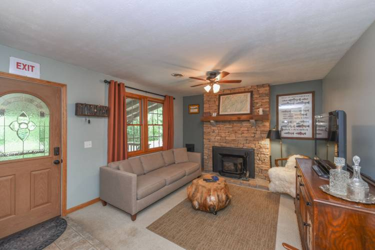 Living Area at Cozy Cottage Deep Creek Lake
