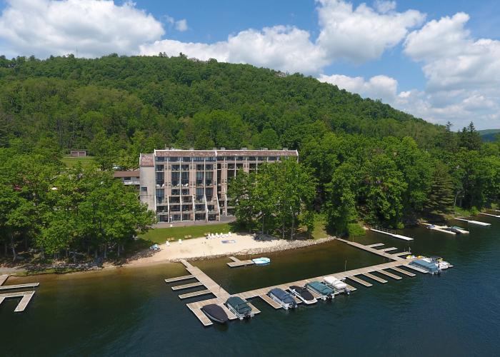 Lake Front Condo Hotel at Deep Creek Lake