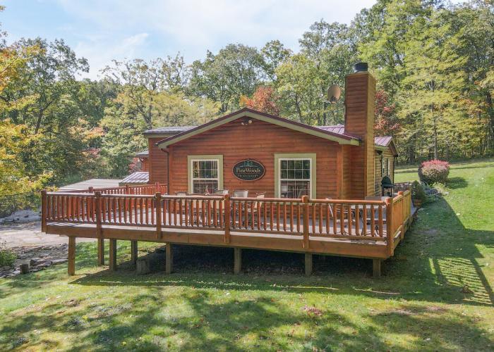 Deep Creek Lake Log Cabin